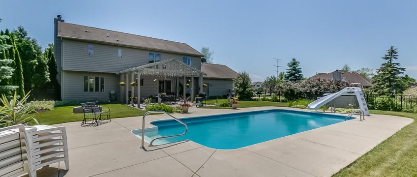 house for sale kenosha, kenosha homes for sale, buy house with pool kenosha